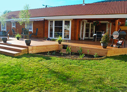Chalet et maison bois en kit greenlife bois massif et for Maison en bois plein pied