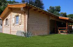Maison bois madrier massif greenlife en kit for Chalet bois 80m2