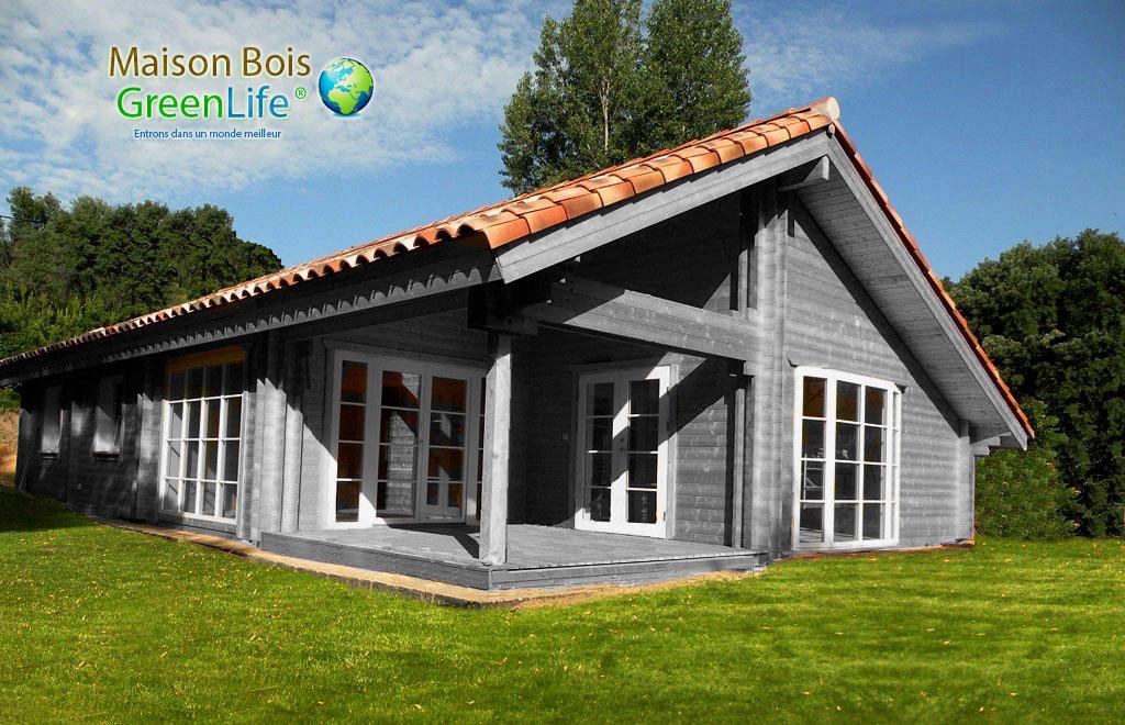 Maison bois en kit peinte maison bois greenlife for Maisons scandinaves en bois